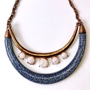 Jewelry - GOLD PLATTED STATEMENT NECKLACE